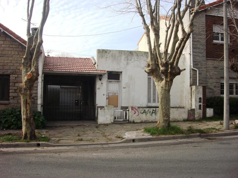 Lote sobre Calle Olavarria ideal construccion de local